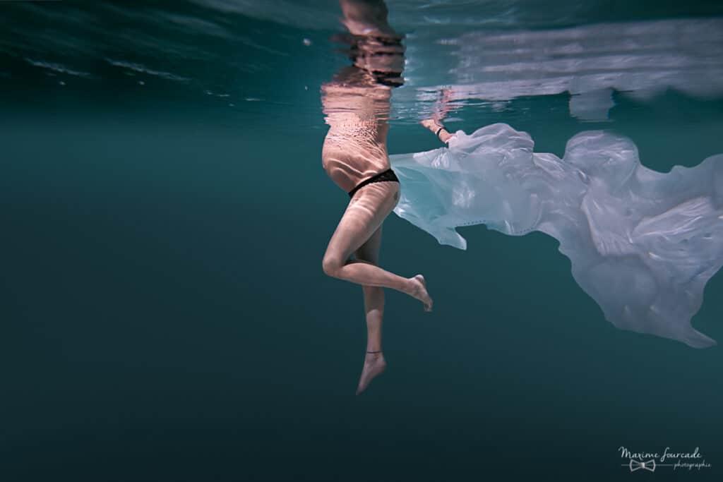 photographe grossesse sous l'eau à tarbes et toulouse